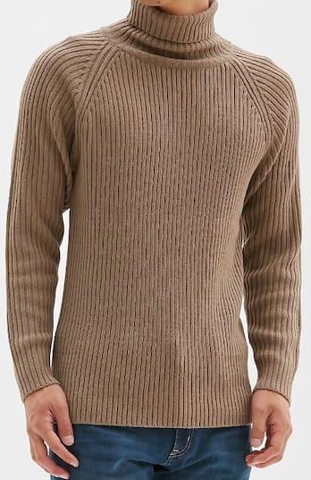 秋のアウターはユニクロのリブタートルネックセーターがオススメ