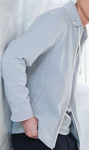 夏でも涼しいクールマックス素材かつシアサッカー生地のシャツ